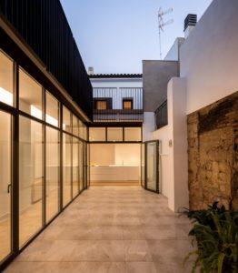 casas con patio mediterraneo